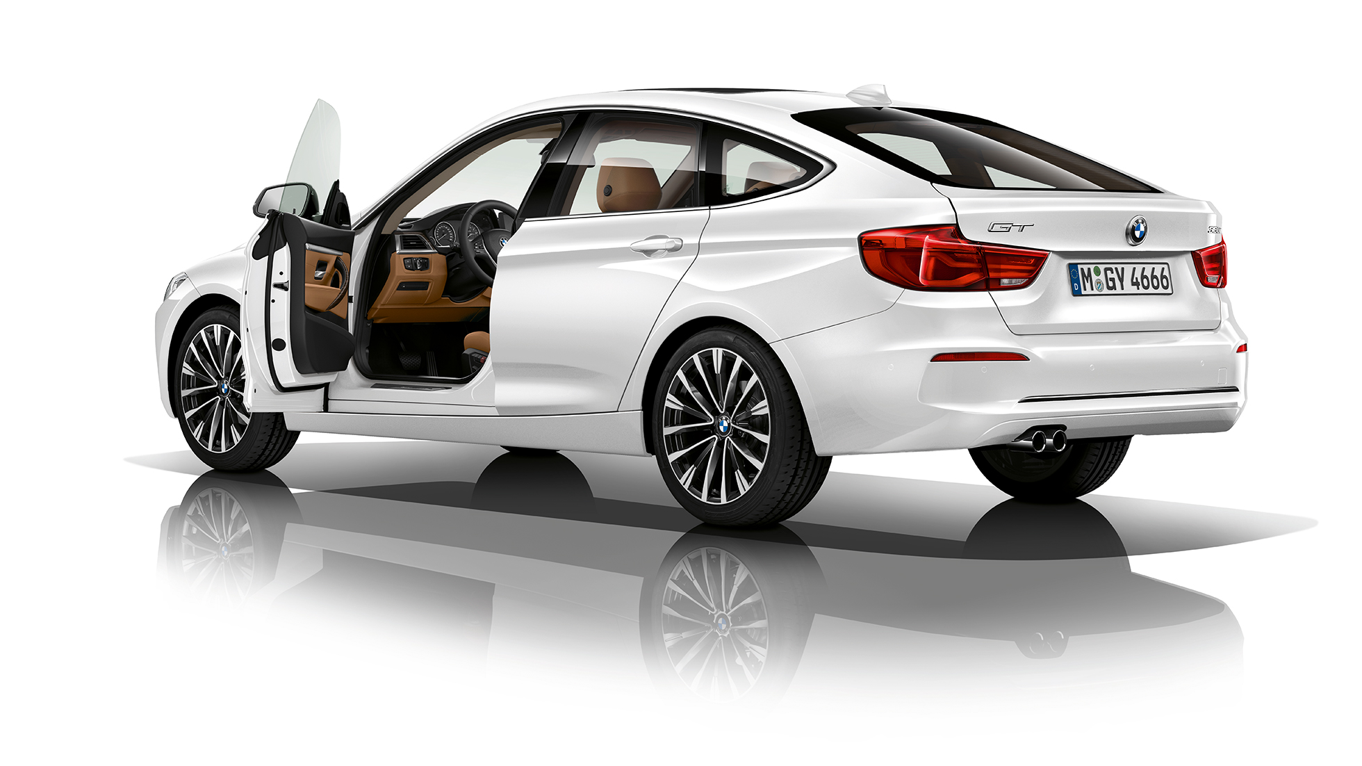 BMW 3 Series Gran Turismo, Model Luxury Line three-quarter rear shot
