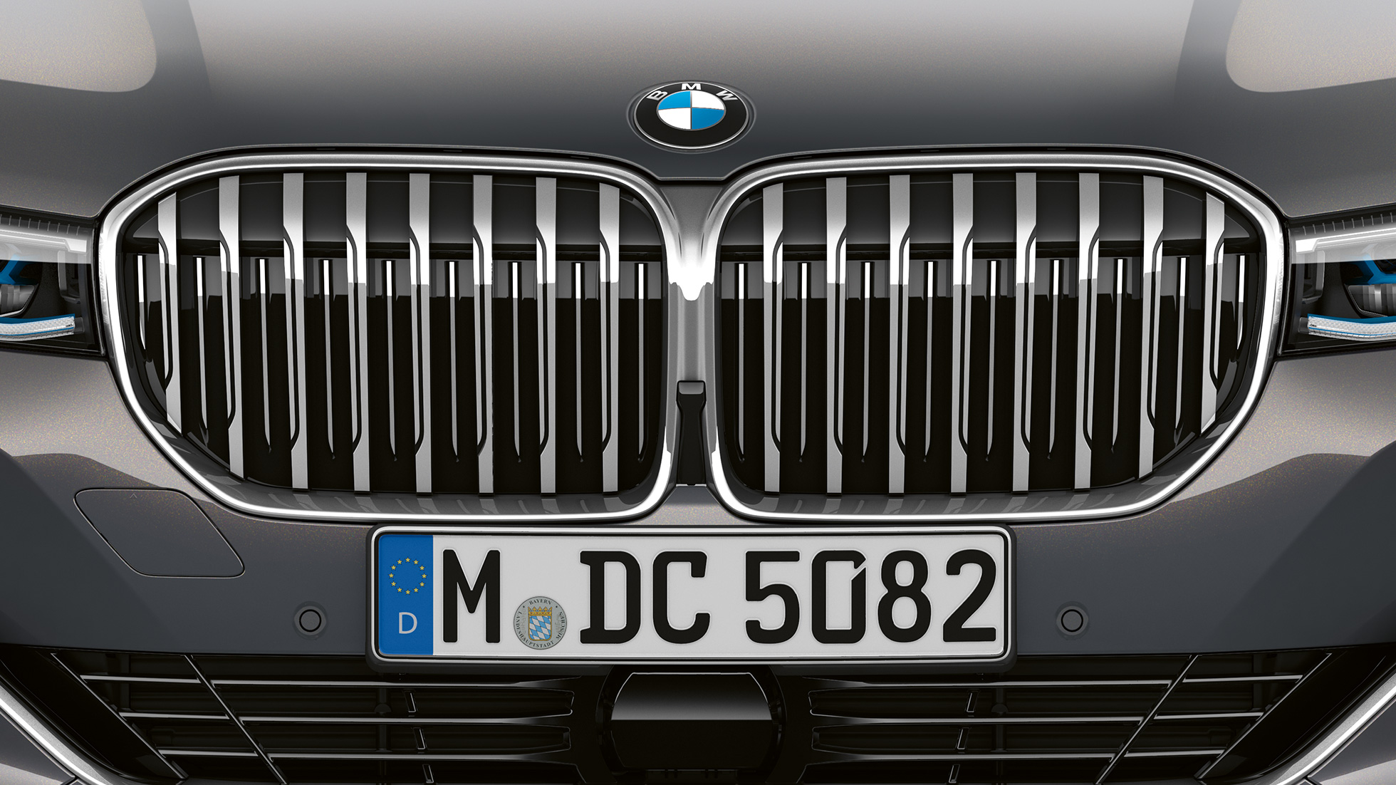 BMW 7 Series Sedan with Exterior Design Pure Excellence: Close-up of the BMW kidney grille